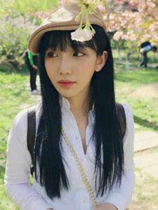 小清新美女陆舒媛郊外出游照