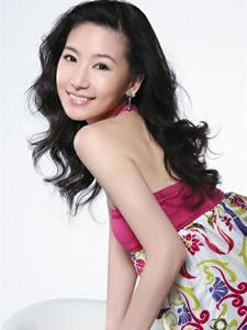 刘梓妍甜美写真彰显清新可爱