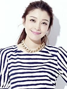 高晓菲时尚写真大展迷人笑容