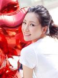 刘梓妍清新时尚图片性感小露美肩