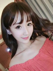 平面模特冯佳妮甜美生活照