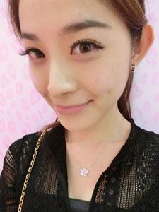 杨雨薇甜美可人自拍照