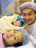 陈浩民老婆蒋丽莎生女儿幸福合照