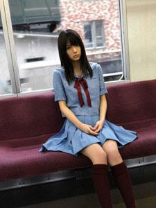逢泽莉娜高中时代清纯可人的学生装