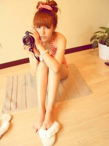 王梦实爱摄影,显露性感美腿