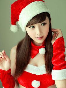 网络爆红的圣诞小公主林柯彤写真