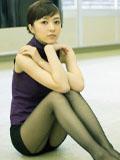 逢泽莉娜少见性感丝袜OL范写真