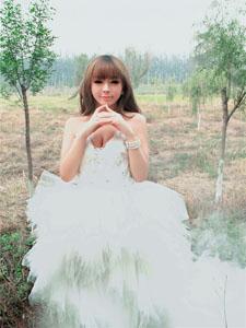 裴紫绮清纯妩媚酥胸迷人写真