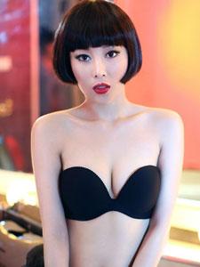 美女肖雨轩黑色内衣性感撩人