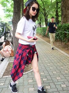 朴智妍靓丽街拍身材妖娆