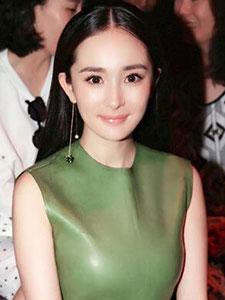 杨幂出席国际品牌时装秀场 盘点产后迅速复出的十大辣妈