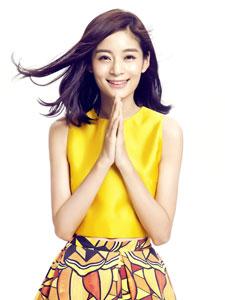 王媛可甜美笑容如沐春风