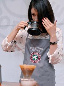 美厨娘朴智妍清纯靓丽