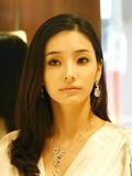 韩国当红女星韩彩英写真美图