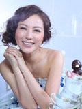 刘心悠完美新娘浪漫写真甜美如巧克力