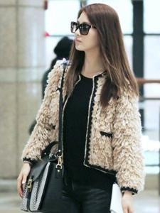 韩国少女时代徐珠贤机场时尚街拍照