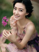 王丽坤春日写真舞动长裙