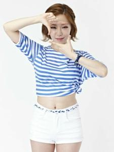 韩国女星孙佳仁俏皮可爱写真图片