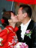 徐淑敏与老公黄浩浪漫结婚照 郎才女貌羡煞旁人