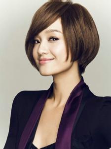 气质美女朱丹杂志写真图片
