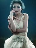 蔡卓妍褪青涩变成熟女人 颓垣败瓦衬托贵族气质美图