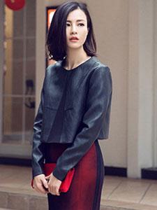 刘孜秋季华丽街拍 时尚个性十分吸睛