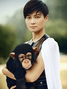李宇春与动物的亲密写真