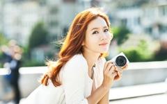 韩国女星孙艺珍性感桌面