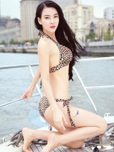 世界小姐吴丹性感比基尼写真