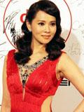伊能静红色长裙复古妆容性感出席纽约中国电影节