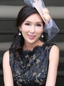 杨恭如高贵装扮艳丽迷人