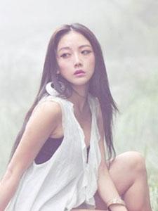 平面模特陈嘉歆戏于山水间美照