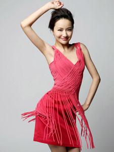 韩雨芹红裙秀超好身材大秀舞步
