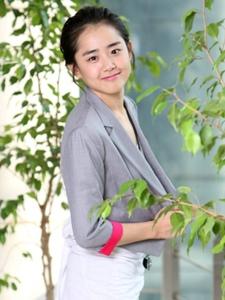 韩国女艺人文根英小清新写真