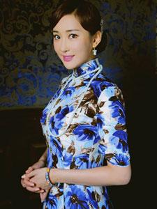 杜若溪旗袍写真秀迷人身段