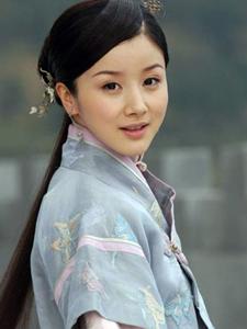 孙菲菲古典装扮尽显东方女性美