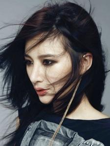 华谊美女演员熊乃瑾冷酷写真