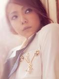 安室奈美惠御姐女王风范 格子英伦风衣写真