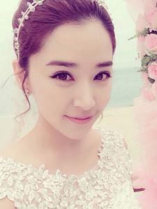 阚清子迷人婚纱照