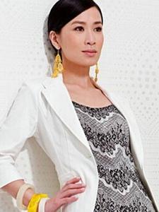 佘诗曼高清写真 缤纷裙装为你解暑