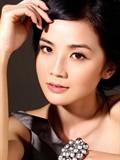 蔡卓妍裸香肩秀性感写真