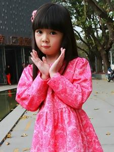 可爱小女生王翊菲生活照