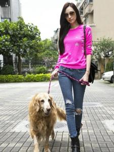 吴佩慈与狗狗的温馨照
