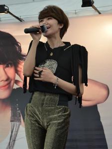 郁可唯微加幸福新加坡签唱会