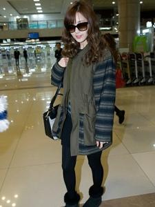 韩国明星徐珠贤机场街拍fashion照片