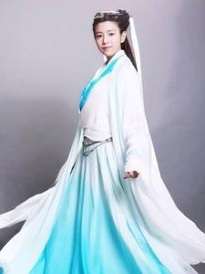 陈妍希晒小龙女新造型