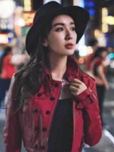 娄艺潇街头写真大片 诠释冷艳御姐范