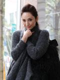 吴佩慈冬日私房搭配日记 时尚甜美范儿十足