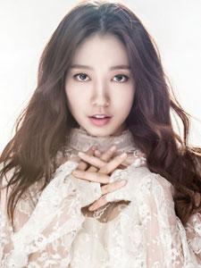 韩国演员朴信惠优雅写真