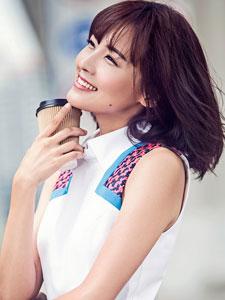 郑罗茜秋季时尚街拍 甜美笑容超迷人